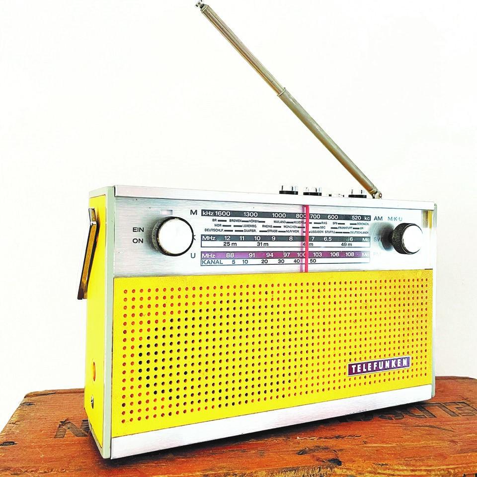 TOMAS SCHWEIGEN & ENSEMBLE: HOTEL RADIO STUDIO